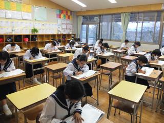 20名の生徒が漢字検定にチャレンジしました。