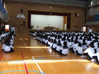 県駅伝大会に出場する陸上部のキャプテンが決意の言葉を述べます。