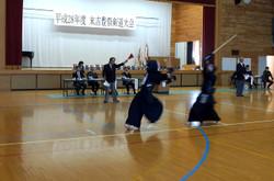 末吉中学校体育館では剣道大会が行われました。