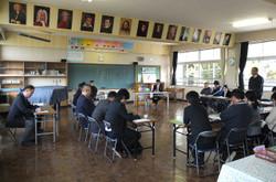 各学校の担当者が共通実践事項の取組状況等を発表しました。