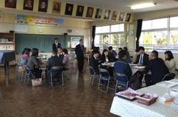 3つのグループに分かれ,各校の課題点やその解決に向けての話し合いを行いました。
