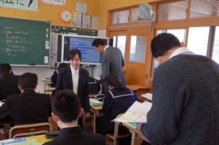 英語科の池田教諭が研究授業を行いました。
