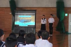 文化委員会から,合唱コンクールへの取組の注意点の説明があったあと,春の祭典の合唱の様子をビデオで視ました。
