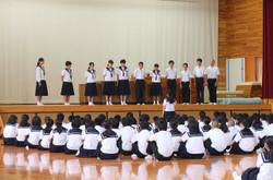 生徒会代表の生徒から激励のことばがおくられました。