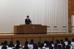 学校長が夏休みに取り組んで欲しい3つのことについて話をされました。