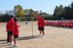 前期の生徒会保体委員会の委員長2名が選手宣誓をしました。