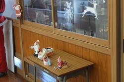 窓の装飾や小物も生徒たちの手作りです。