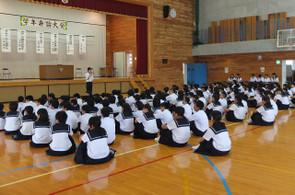 運営も学年生徒会の学習部の生徒たちが行いました。
