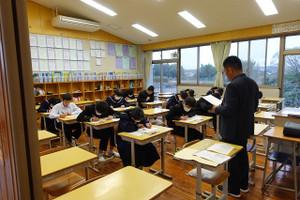 第3回目の英語検定は,33名の生徒たちが,それぞれ目標とする級にチャレンジしています。